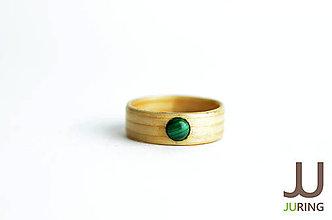 Prstene - Drevený prsteň Smrek & malachit - 6835618_