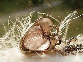 Náhrdelníky - Ružové srdiečko-prívesok-tiffany - 6836815_