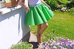 zelená sukňa