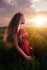 Šaty - Koktejlové šaty so skladanou sukňou a hrubou krajkou rôzne farby - 6847997_