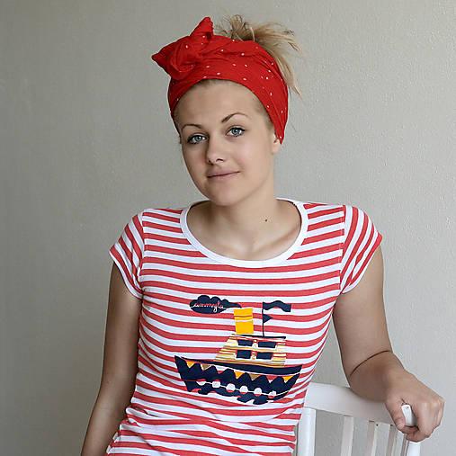 Dámske tričko (Loďka na červenom)