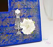 Zrkadlá - Vintage zrkadlo modro-zlaté s drôtenou figurínou a luxusným lustrom - 6850745_