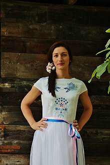 Šaty - vyšívané  šatky krátke /biele - 6854638_
