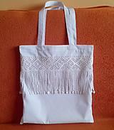 biela taška s krajkou