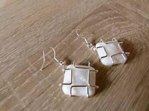 Náušnice - Perleťové štvorčeky - 6859777_