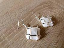 Náušnice - Perleťové štvorčeky - 6859778_