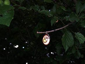Náhrdelníky - Víla - maličký drevený prívesok (breza) - 6859389_