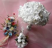 Svadobná kytica pre nevestu s pierkami