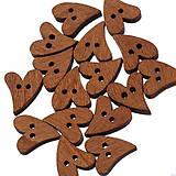 Galantéria - Drevené gombíčky srdiečka (balíček 10ks) - 6869018_