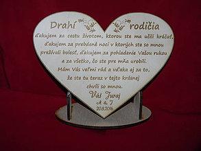 Darčeky pre svadobčanov - Drevene srdiečko ako poďakovanie rodičom 18 - 6870673_