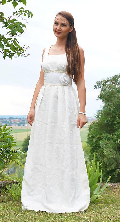 472cdbd33f92 To jsou svatební II ... princeznovské svadobné šaty   PartyFashion ...