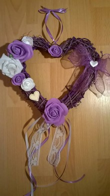 Dekorácie - ***VÝPREDAJ*** Svadobné srdce na dvere fialové - 6877257_
