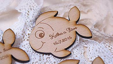 Darčeky pre svadobčanov - Drevený darček pre svadobčanov, magnetka - 6876307_