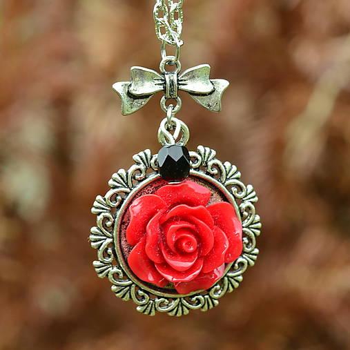edc3e7798 Strieborný náhrdelník s červenou ružou / KiBa - SAShE.sk - Handmade ...