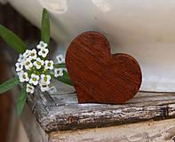 Odznaky/Brošne - Srdce z mahagónu - 6874251_