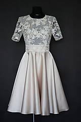 Šaty - Koktejlové šaty z tylovej krajky a kruhovou sukňou - 6879480_