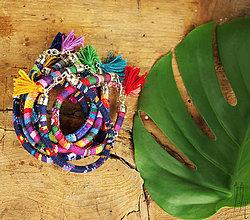 Náramky - letné boho etno náramky so strapčekmi - 6883361_