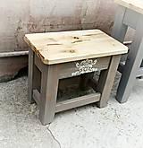 Nábytok - Drevený stolček maľovaný MENŠÍ  - 6885902_
