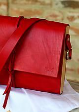 Kabelky - Kabelka na rameno CROSSBODY MIDI RED - 6887150_