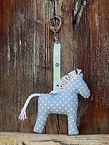 - Prívesok na kľúče - svetlomodrý koník - 6887446_