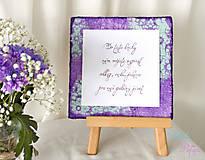 Tabuľky - Tabuľka na stôl s knihou hostí / rám na fotku - fialová s čipkou - 6889705_