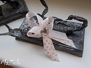 Pierka - svadobné pierko s puntíkmi - 6893435_