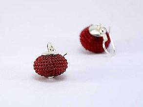 Náušnice - Háčkované korálkové náušnice Lentilky ruby - 6895550_