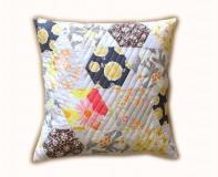 Úžitkový textil - Vankúš letný Hexagon sivo-oranžový - 6897795_