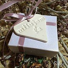 Drobnosti - Keramické srdiečka - milujem ťa - 6897055_