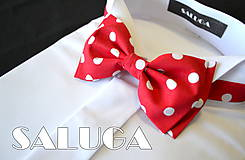 - RETRO červený pánsky motýlik na biele guľky - 6903109_