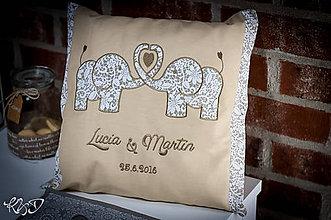 """Úžitkový textil - Vankúšik """"Lucia a Martin"""" - 6905676_"""