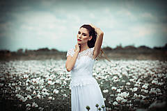 Šaty - Svadobné šaty v ľudovom štýle z kvietkovanej hrubej krajky - 6904780_