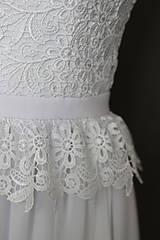 Šaty - Svadobné šaty v ľudovom štýle z kvietkovanej hrubej krajky - 6907494_