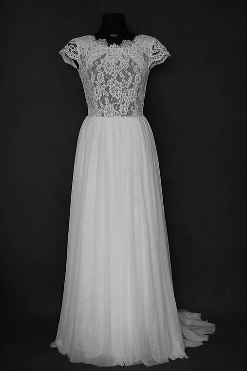 43f0872d7256 Svadobné šaty s elastickým živôtikom a tylovou viacvrstvovou sukňou ...