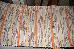 - Tkaný melírovaný koberec so žltými a oranžovými pásikmi - 6908534_