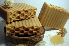 - Prírodné medové mydlo s čerstvým kozím mliekom - 1015315