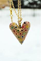 Náhrdelníky - Prívesok srdce z farbičiek - 1174800