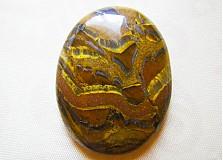 Minerály - tigrie železo, 36 x 28 x 5 mm - 1218524