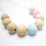 Náhrdelníky - Dřevěný náhrdelník - pastelově modrá a růžová  - 1404961