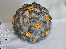 Dekorácie - deko guľa kvetinky žlté d6,5 - skladom - 1550306