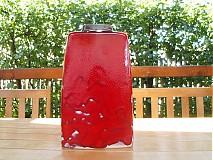 váza červená