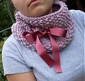 Ružovkastý nákrčník