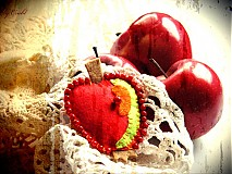Odznaky/Brošne - Brošňa Granátové jabĺčko - 1751157