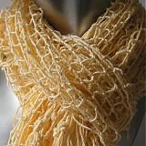 Šály - Ručně síťovaná dlouhá šála vanilková - 1765228