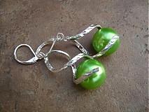 Náušnice - Točí sa mi točí (svetlo zelená akryl) - 1920546