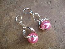 Náušnice - Točí sa mi točí (ružová akryl) - 1920632