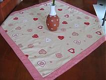 Úžitkový textil - Srdíčkový ubrus - kamarádí s vločkami a proužkem - 1954050