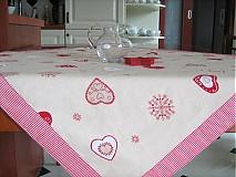 Úžitkový textil - Srdíčkový ubrus - kamarádí s vločkami a proužkem - 1954052