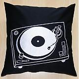 Úžitkový textil - vyšívaný vankúš gramofon - 2128077