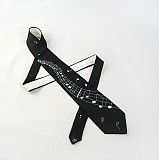 - Černá hedvábná kravata s notami a notovou osnovou - 2172148